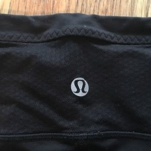 🍋LULULEMON🍋 Black Wicking Capri Pants
